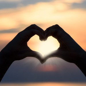 1_GEDICHTEN-1_heart-handen-zon-verkleind-25